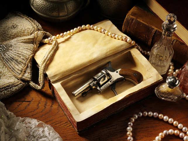 gun-jewellery-iStock-160476
