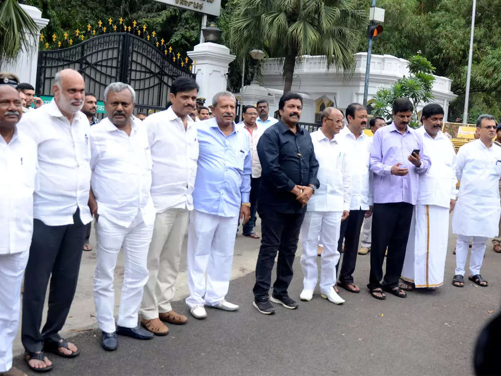 Ahead of trust vote, rebel K'taka MLAs lash out at 'monster government'