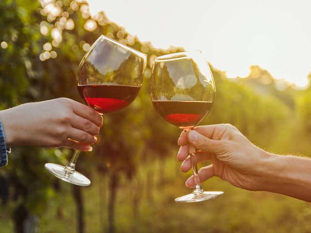 wine-iStock-1032284334