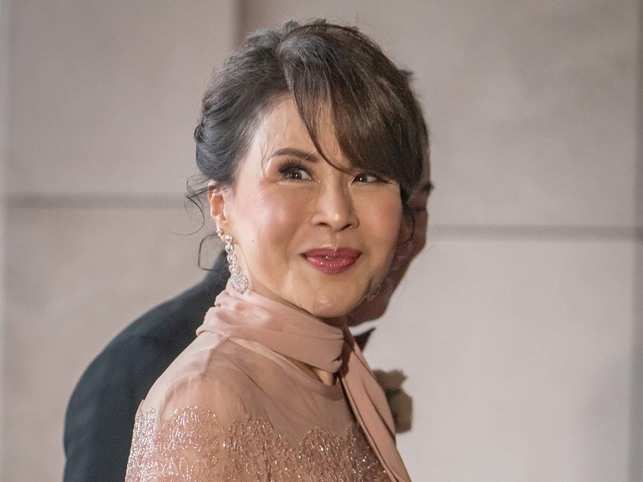 ​Princess Ubolratana had met the manufacturer of AI robots - named 'Din Sor' (pencil)​,
