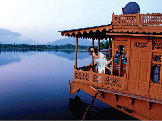 Heli-skiing in Kashmir, blissful evening aarti in Benaras: How film tourism is at an all-time high in India