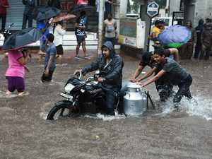 Heavy rains continue to pound across Maharashtra, red alert issued for Mumbai