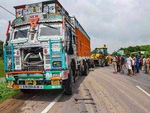 unnao-truck
