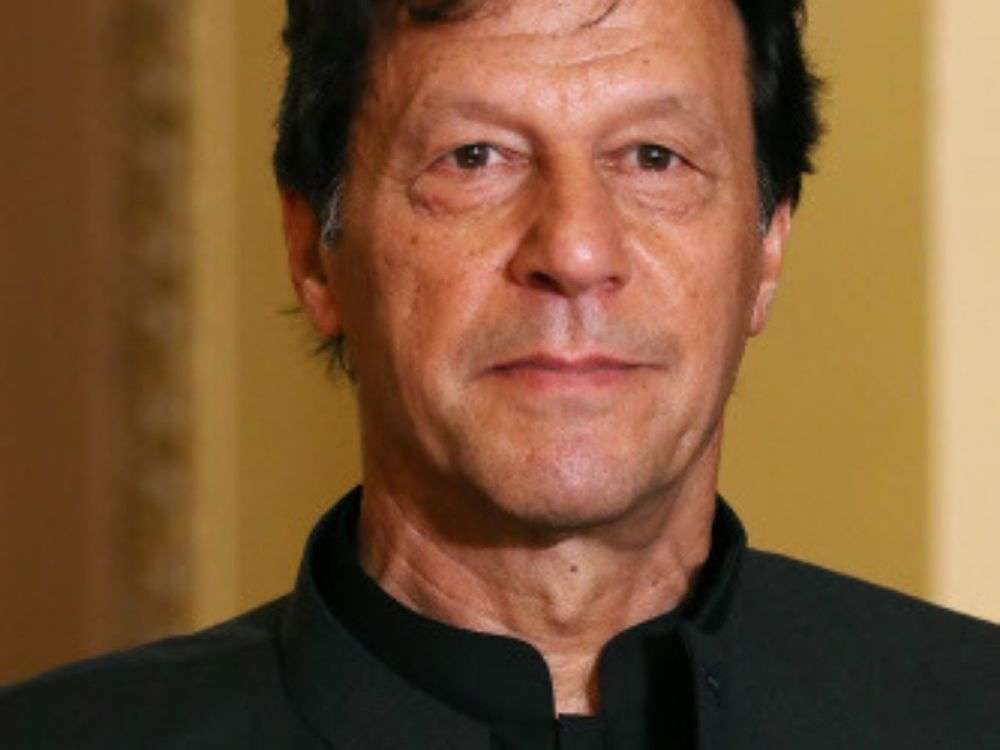 Government briefs envoys of P5 as Imran Khan dials foreign leaders
