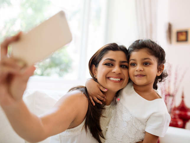 selfie-kids1_GettyImages
