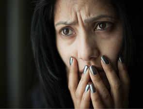 Divorce, losing a job: Mid-life crisis ups Alzheimer's risk in women more than men