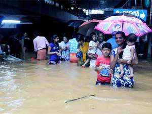 Heavy rains lash parts of country, flood situation grim in Maharashtra, Kerala