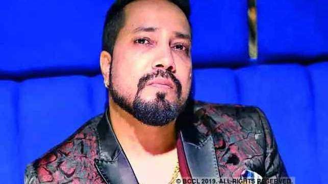 Cine Workers Association bans Mika Singh for performing in Pakistan