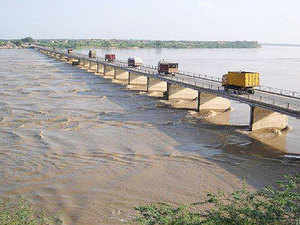Torrential rains lash northern states; several rivers overflowing in Raj, Yamuna nears warning level