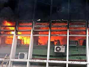 Major fire at Delhi's AIIMS, patients shifted out; 34 fire tenders battling flames