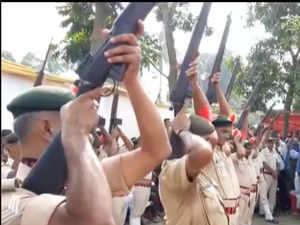 Twenty two rifles fail to fire during gun salute to former