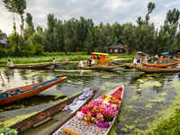 Govt has smart plans to boost J&K tourism: Corporate package to film-makers, FM stations, theatres