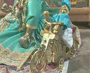 Janmashtami: Krishna riding bike!