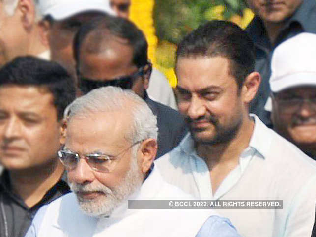 On PM Modi's new intiative, Aamir Khan said that only we can stop using 'single use plastic'.