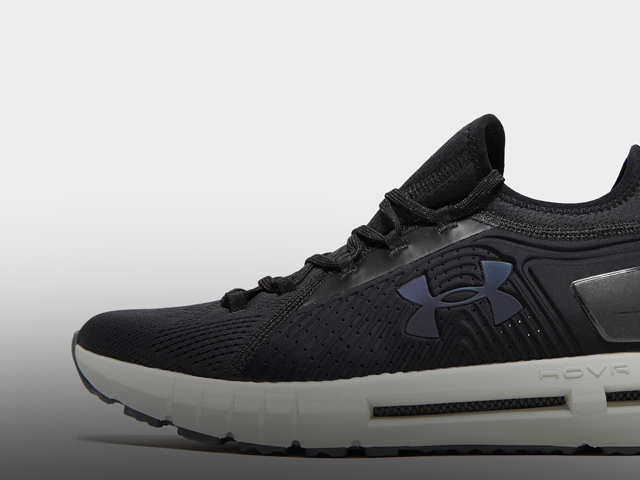 Descenso repentino golf Interpretación  Under Armour: Under Armour HOVR Phantom SE review: Lightweight and smart  Bluetooth running shoes - The Economic Times