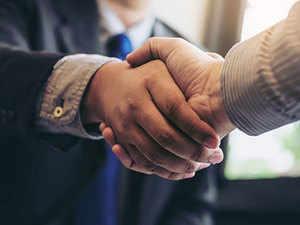 handshake-getty