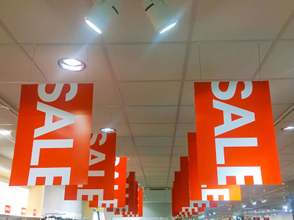 Festive season: Consumer electronics, phone companies giving retailers record margins to boost sales