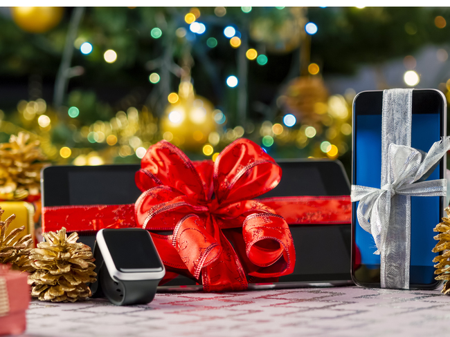 Festive Gifting Festive Gifting Made Simple Watches Electronics Win With Men Women Enamoured By Jewellery The Economic Times