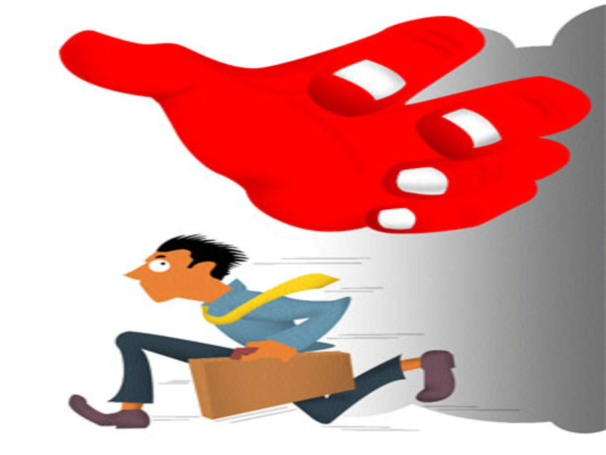 Indian cos battle it out for hiring top talent - The
