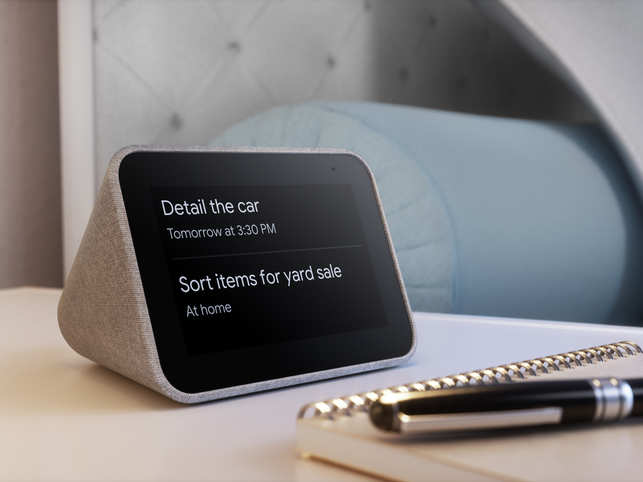 Unlike all the other smart displays, Lenovo Smart Clock​ can't play any sort of video.​