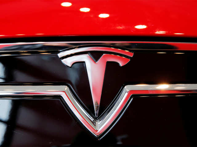 Tesla's futuristic, 'Blade Runner' pickup truck likely to be unveiled in November