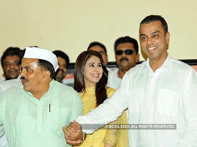 (L-R) Sanjay Nirupam, Urmila Matondkar and Milind Deora sharing a light moment during the Congress party meeting.