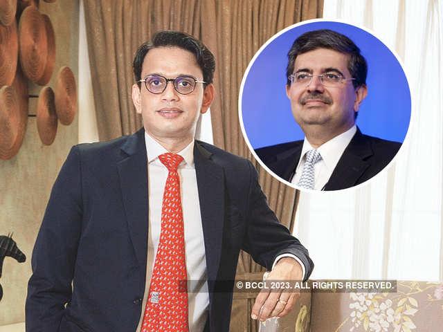 Corporate Leaders Who Have Anand Mahindra, Jeff Bezos