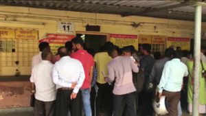 Noida: People queue up at RTO after implementation of Motor Vehicle Act, 2019