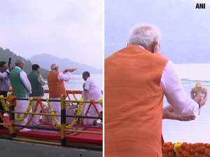 Watch: PM Modi performs Narmada Aarti on his birthday