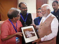 When PM Modi paid tribute to Lokmanya Tilak with a message in the visitor's book at LSS