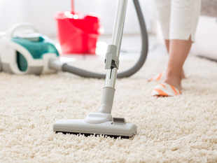 ​It is advisable to use vacuum cleaning or wet mopping. ​