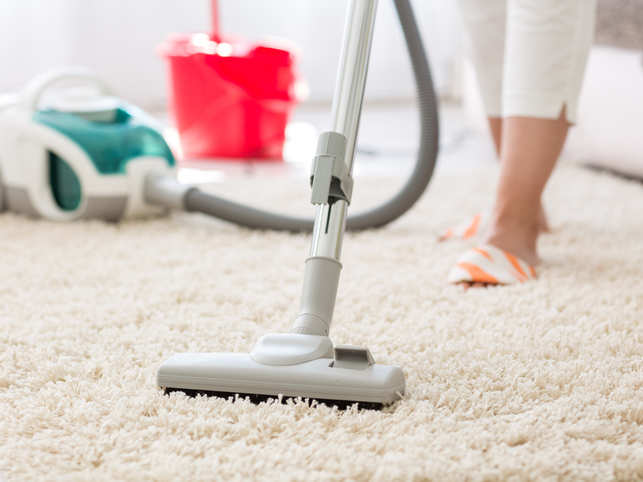 It is advisable to use vacuum cleaning or wet mopping. 