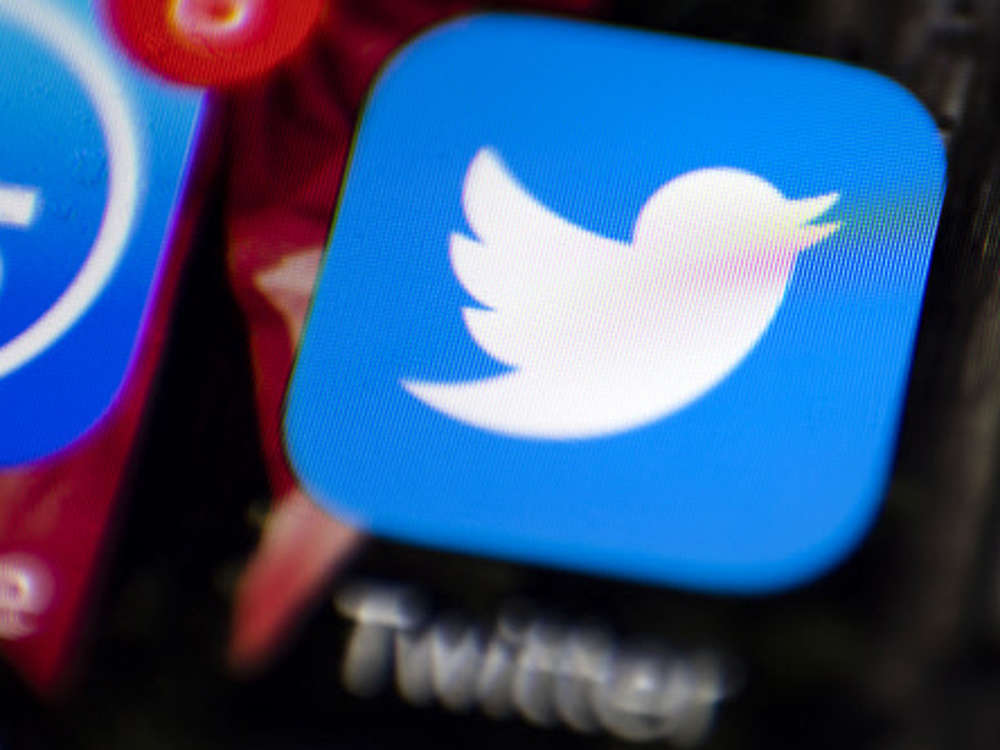 About 200 fake Twitter handles impersonating senior Army officers