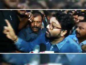 Babul Supriyo 'heckled' at Jadavpur University, Governor rushes to JU