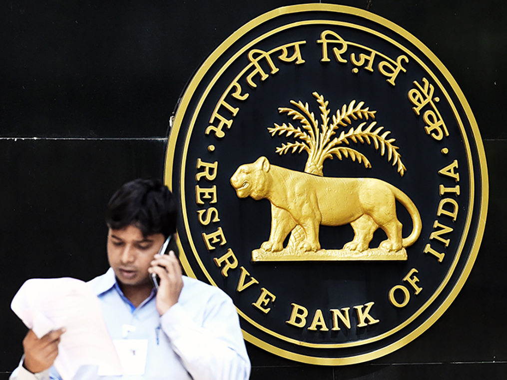 RBI's fix for sinking payments banks has a twist: Jio, Airtel may open a new front