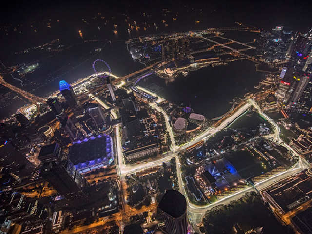 23 Corners A Bumpy Street Surface What Makes Marina Bay The Most Demanding F1 Circuit Speed Up The Economic Times