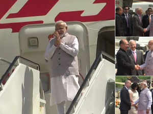 "Howdy Modi: PM Modi wins internet with his ""cleanliness"" gesture"
