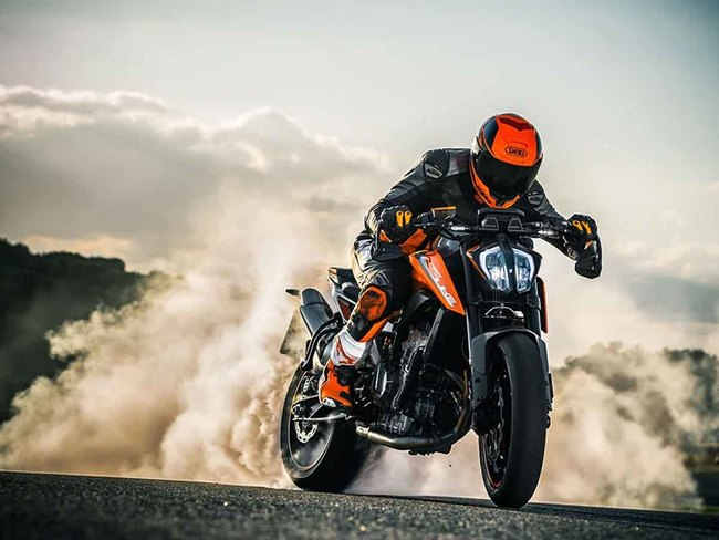 KTM: KTM unveils 790 Duke with TFT gauge cluster in India at Rs 8.64 lakh -  The Economic Times