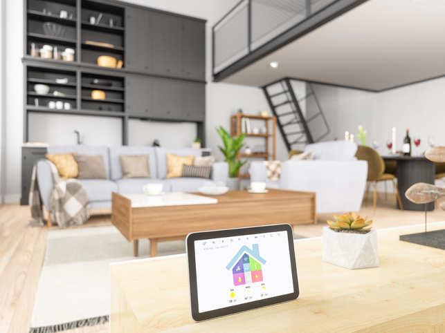 Hacker talks to Milwaukee couple through smart-home system