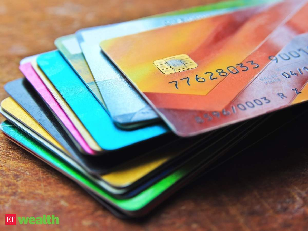 Forex Prepaid Card vs Credit Card: Why you should carry forex prepaid card  instead of credit card while travelling abroad