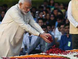 Gandhi Jayanti: PM Modi pays floral tribute to Bapu at Rajghat