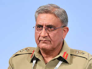 Pakistan's army chief holds private meetings to shore up economy