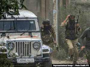 J-K: Grenade attack in Anantnag, at least 13 people injured