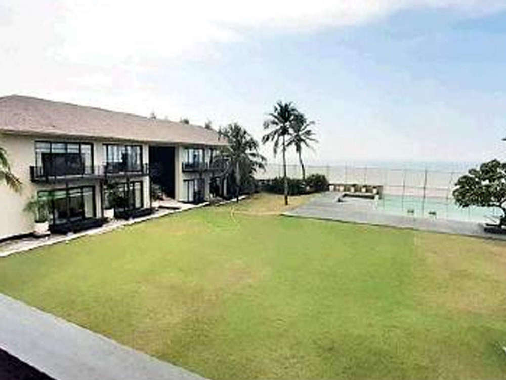 Private aircraft, speedboat, 3 sedans at HDIL bosses' Alibaug 22-room abode