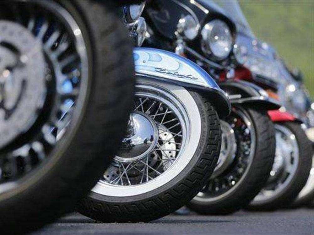 Superbikes see 4-fold growth, beat slowdown