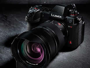 Panasonic Lumix S1H is equipped with a full-frame image sensor that combines the professional-level video quality.