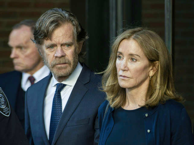 ​Once inside the prison, Felicity Huffman will share a room and open toilet with three other inmates.​