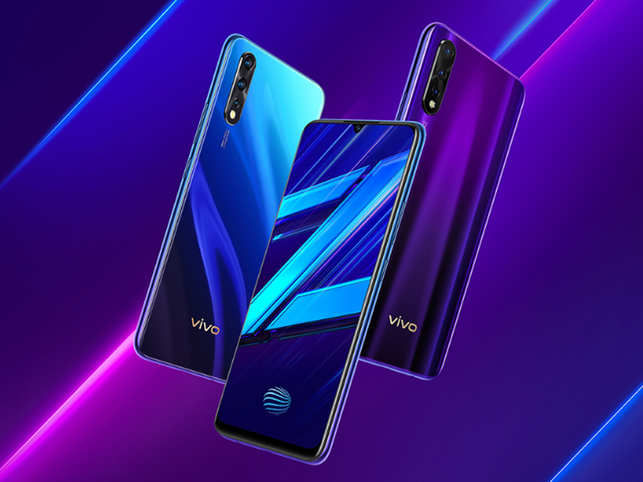 Vivo Z1x​ ​ is equipped with AI-enabled triple rear camera setup​.