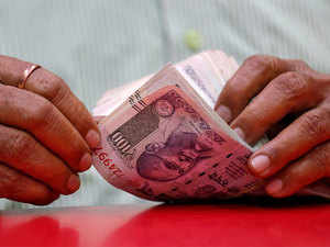 Currency in circulation jumps to Rs 19,699 crore, total kitty hits Rs Rs 22 lakh crore