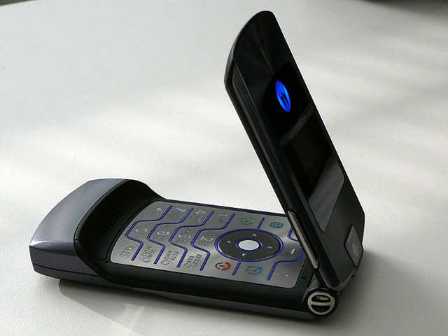 The date's set: Motorola sends out invites for Nov 13 event, likely to unveil foldable RAZR phone